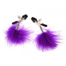 Металлические зажимы на соски с фиолетовым пушком