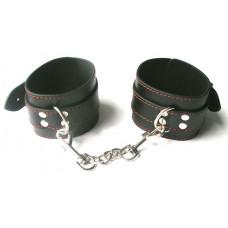 Черные оковы на ноги на цепочке с карабинами